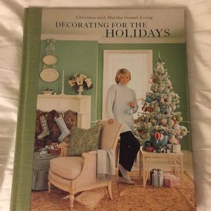 Martha Stewart. Decorating for the holidays.
